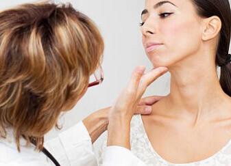 Болит лимфоузел справа под челюстью: причины, что делать